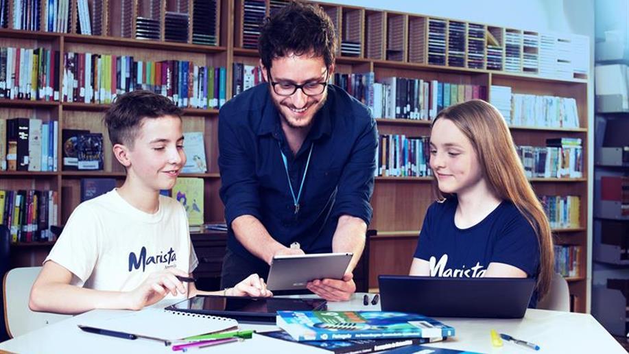 O projeto conta com duas empresas parceiras, a Systemic Bilingual e a Way American School