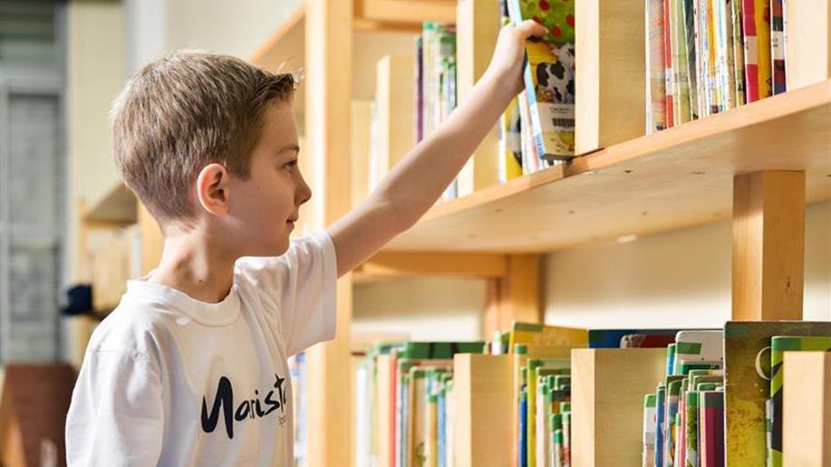Desde cedo, o projeto Hábitos de Estudo auxilia o estudante a criar sua própria rotina de aprendizagem dentro e fora de sala de aula.
