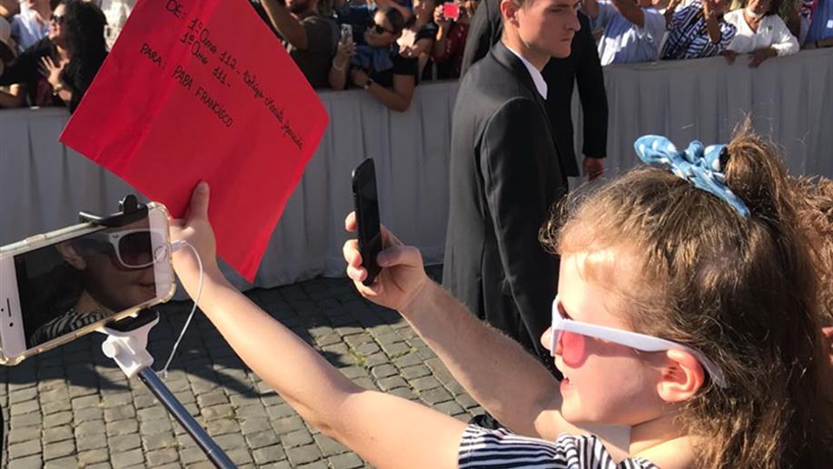 """A iniciativa foi inspirada no livro """"Querido Papa Francisco. O Papa Responde às Cartas de Crianças do Mundo Todo"""""""