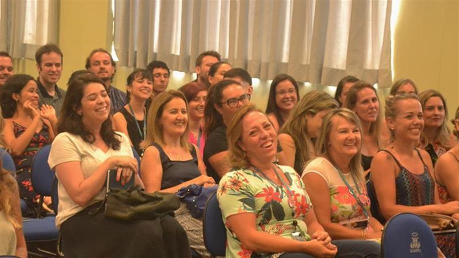 A formação de nossos educadores faz parte do cotidiano escolar por meio de encontros que promovem momentos de estudo, capacitação e integração.