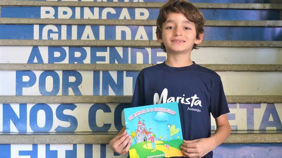 Estudante do Marista Assunção lança seu primeiro livro, aos 7 anos.