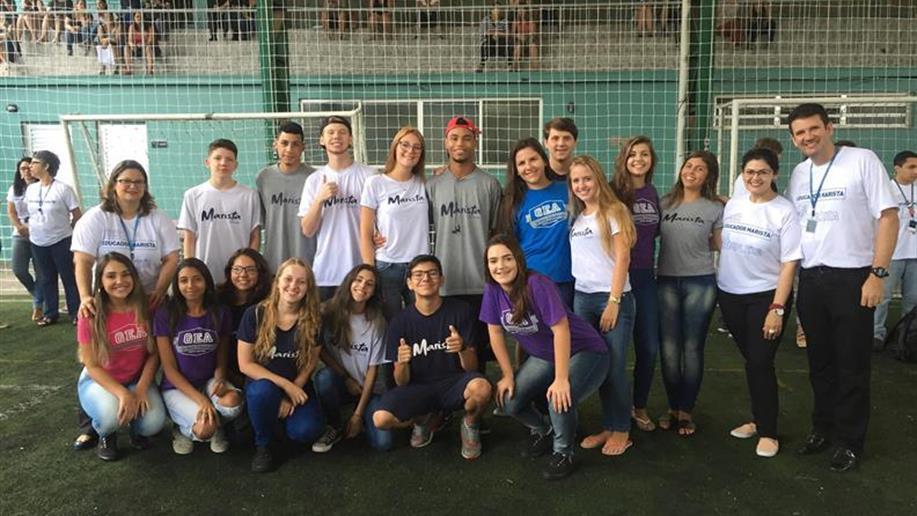Colégio mantém grupos que representam a comunidade escolar.