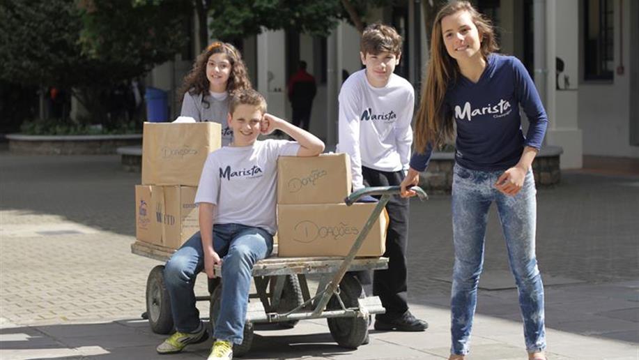 Colégio apoia projetos sociais que visam a melhoria da qualidade de vida de pessoas e comunidades.