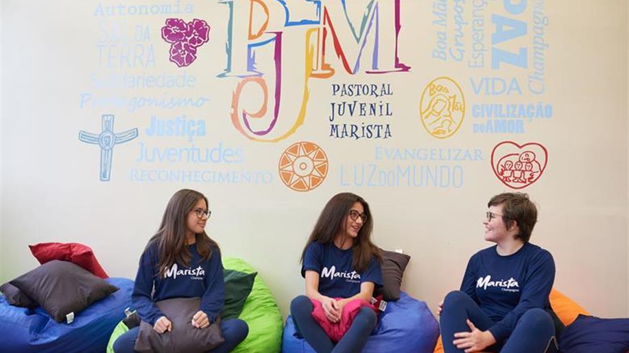 Jovens animados dos grupos de PJM participam de encontro de formação e estudo