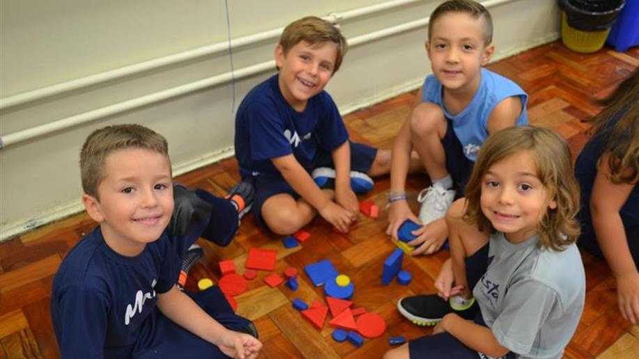 Dia do retorno às aulas para estudantes de Educação Infantil ao Ensino Médio