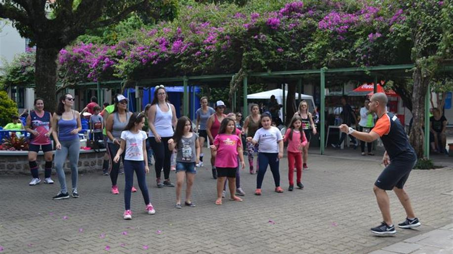 Apamecham promove um dia de integração e atividades para comunidade escolar.