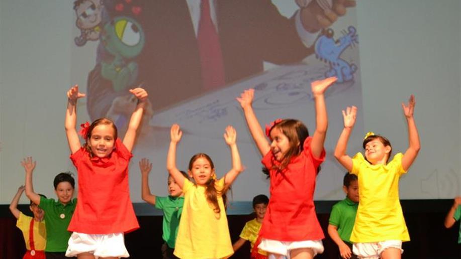Após um ano de aprendizagens, estudantes celebram a conclusão do primeiro ano do Ensino Fundamental.