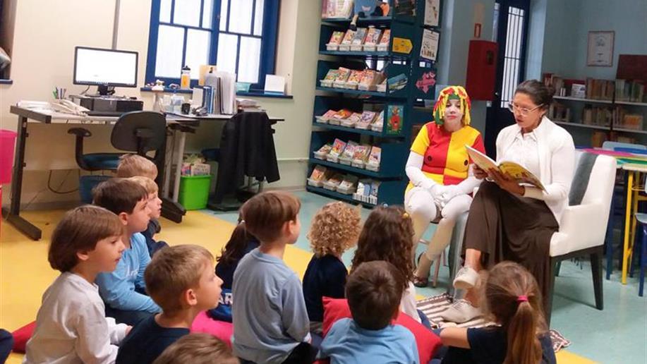 Colégio realizada atividades para celebrar o Dia Nacional do Livro Infantil.