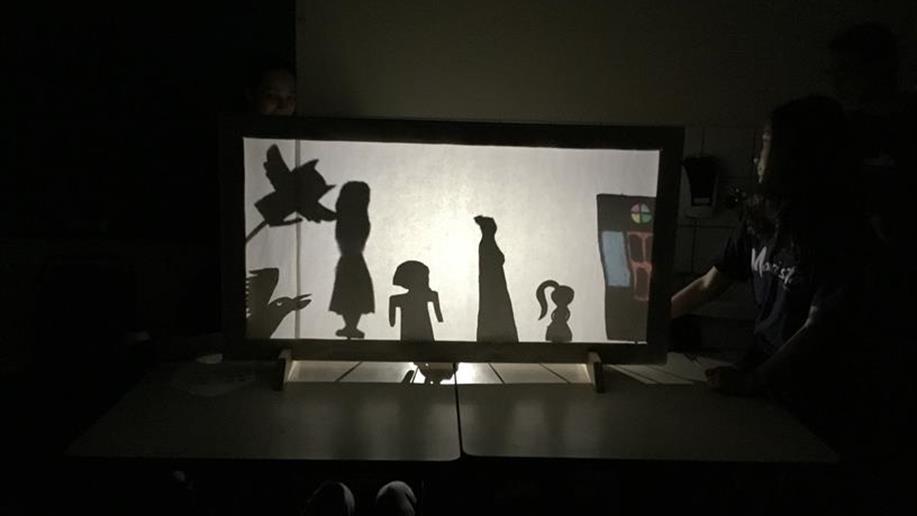 Sequência didática de Linguagens oportuniza aos estudantes de 8º ano EF a construção de contos fantásticos e teatro de sombras.