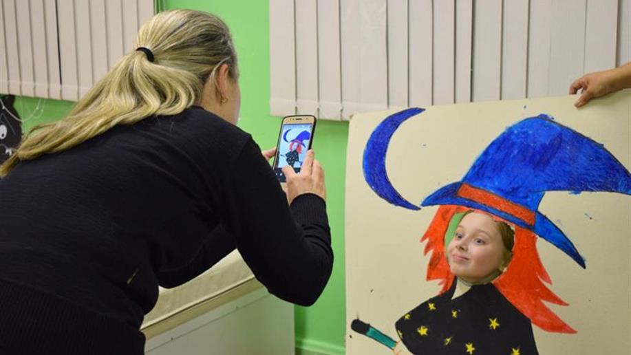Atividade possibilitou que os pais participassem de vivências a partir dos projetos realizados pelos filhos no Turno Integral.