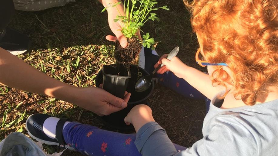 Estudantes da Educação Infantil exploram conhecimentos através do brincar