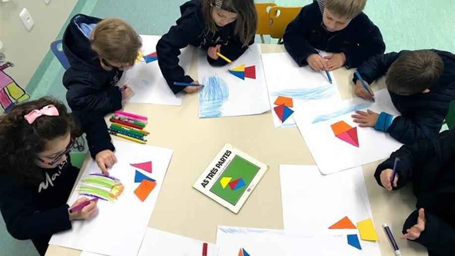 Turma da Educação Infantil desenvolve projeto com formas geométricas a partir do livro As três partes