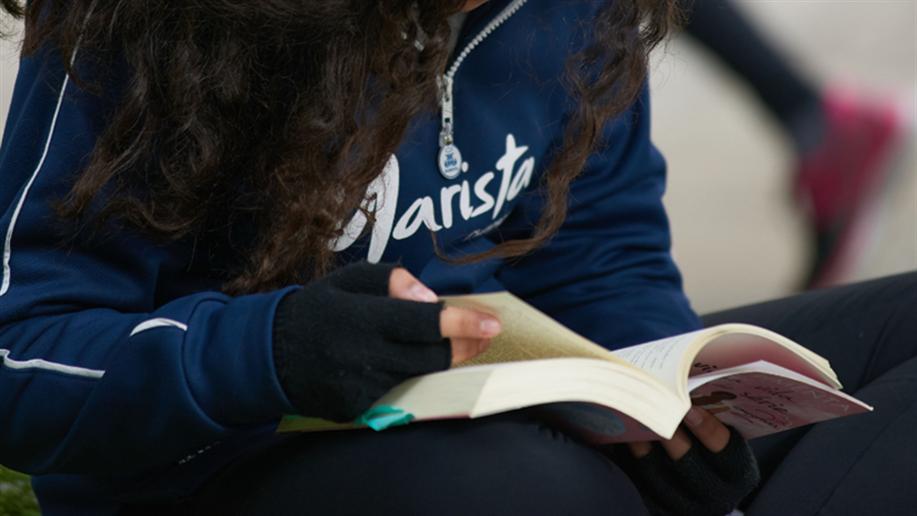O incentivo ao hábito de leitura é complementado nas atividades de aula com as ferramentas Árvore de Livros, Elefante Letrado e Biblioteca Contada