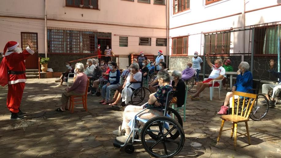Comunidade escolar do Marista Champagnat se mobiliza para um Natal Solidário