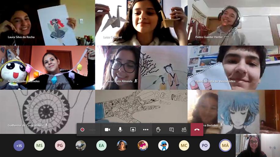 Estudantes do 8º ano do Ensino Fundamental do Marista Champagnat partilham trabalhos de Arte em live.