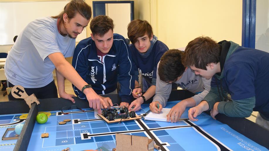 Nossos estudantes representarão nosso Colégio no Festival Marista de Robótica Educacional, nos dias 18 e 19/9, na PUCRS.