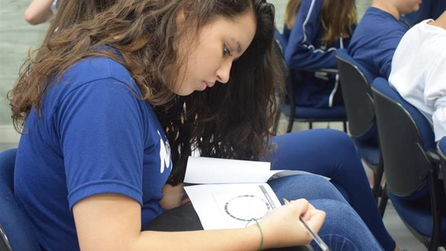 Estudantes do 6º e 7º ano do Ensino Médio realizam encontro para refletir e aprender mais sobre seus hábitos de estudos