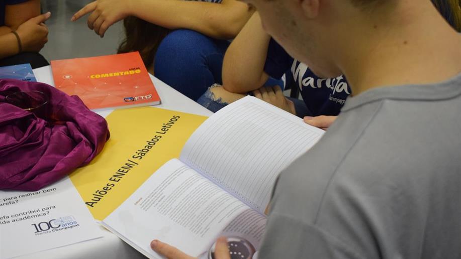 3º ano do Ensino Médio conta com diversas iniciativas para preparação para Enem e vestibulares e construção do projeto de vida