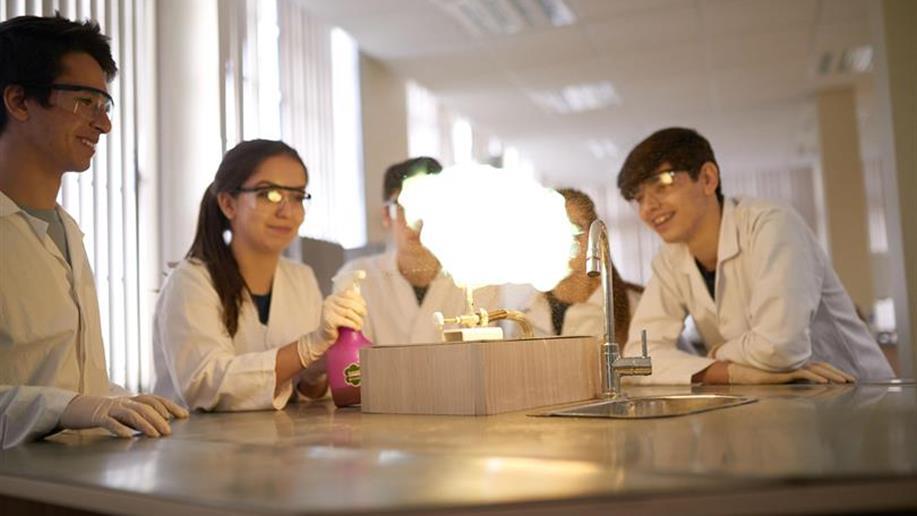 Trabalhada desde a Educação Infantil, a Iniciação Científica é um dos diferenciais do Colégio.