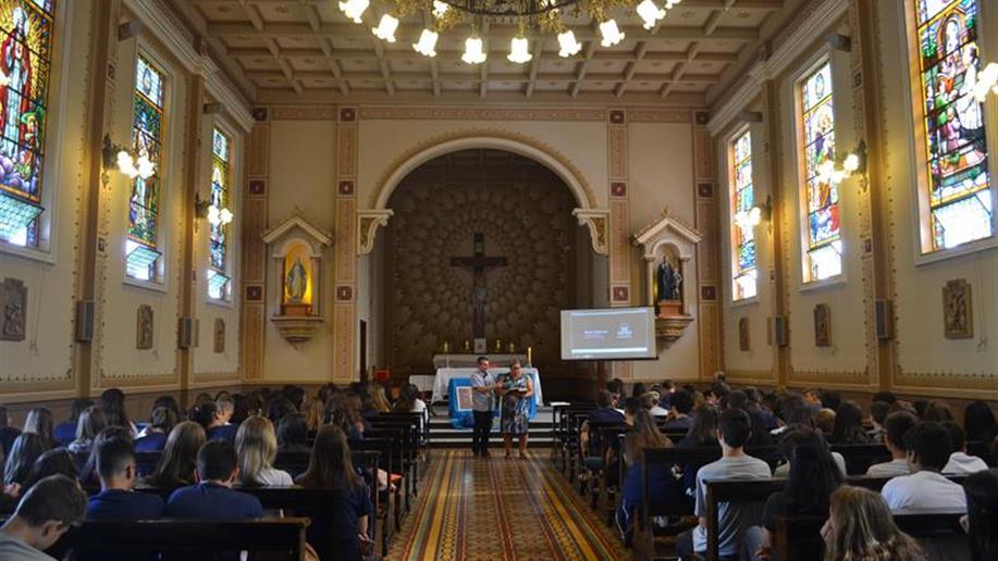Há mais de 10 anos oGrupo de Voluntariado Viva Alegria, do Colégio Marista Conceição, desenvolve projetos que motivam ações de solidariedade e protagonismo junto da comunidade passo-fundense.