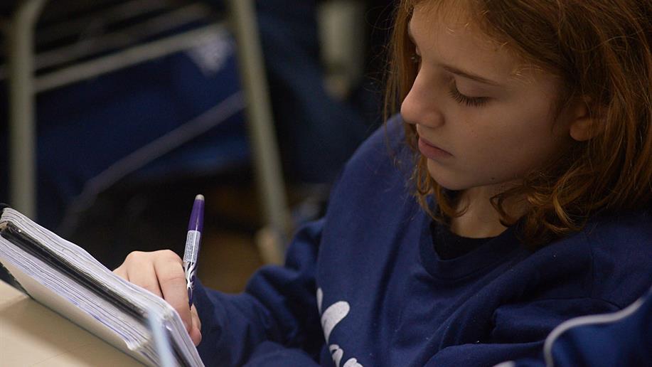 Escolha no menu ao lado orientações e agenda de provas, assim como os horários para diálogo com os professores conselheiros.
