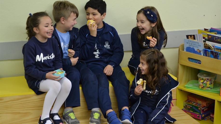 Para despertar o apetite dos estudantes sobre hábitos saudáveis à mesa, nos Anos Iniciais do Marista Maria Imaculada desenvolvemos diversas atividades que contemplam uma alimentação saudável.