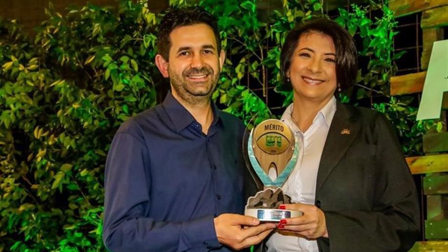 Premiação tem o objetivo de reconhecer os destaques empresariais da cidade