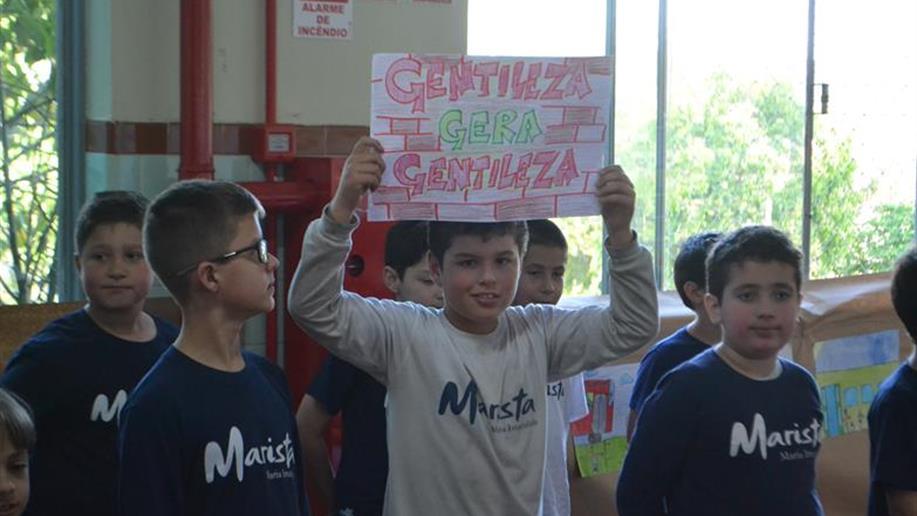 Sob o tema da valorização das manifestações culturais e cidadania, evento foi realizado com todos estudantes
