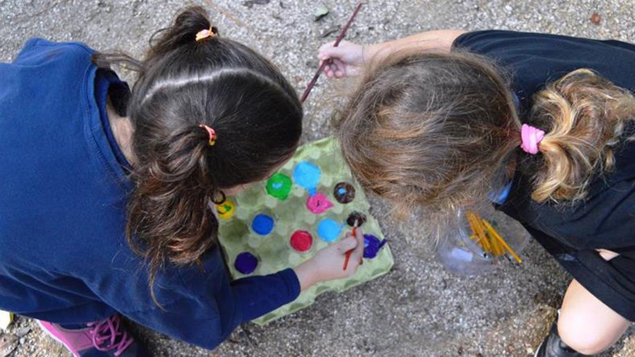 Elementos presentes no Bosque desenvolvem o imaginário infantil.
