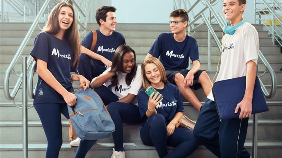 O Marista Ipanema possui parceiros que fazem o transporte dos estudantes, mediante contratação do serviço por parte da família.