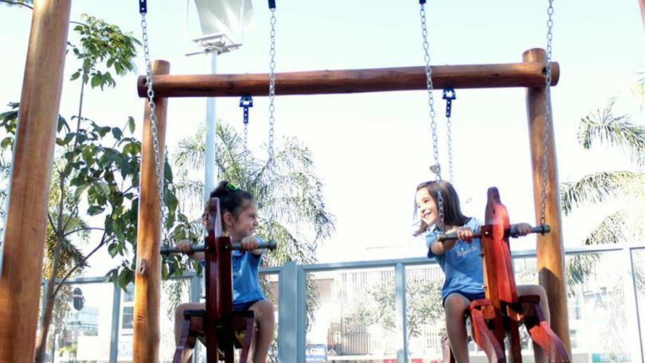 A proposta marista valoriza o cuidado e o desenvolvimento pedagógico do estudante. Em especial, nessa fase, buscamos a formação integral da criança, contribuindo com a ação educativa da família e da comunidade. As atividades visam à socialização, à...