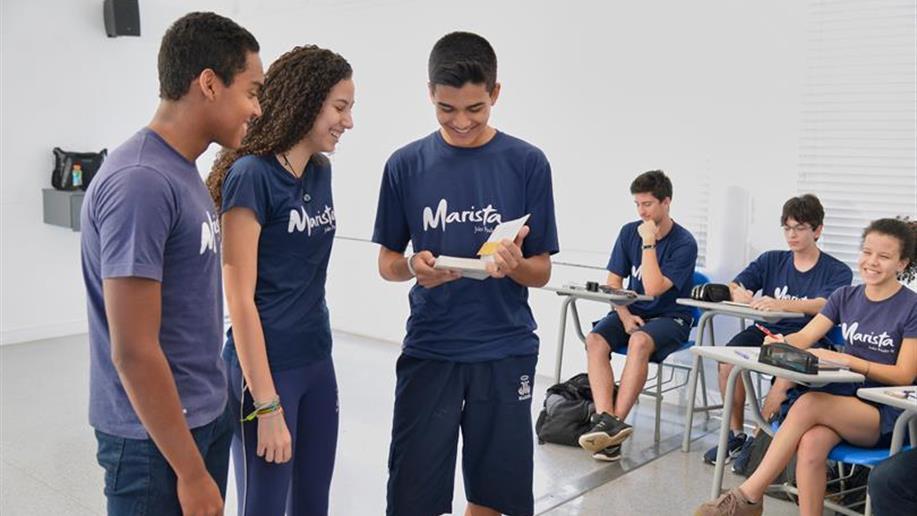 A educação nos Colégios da Rede Marista prima por uma formação integral, que combina a excelência acadêmica aos valores humanos.