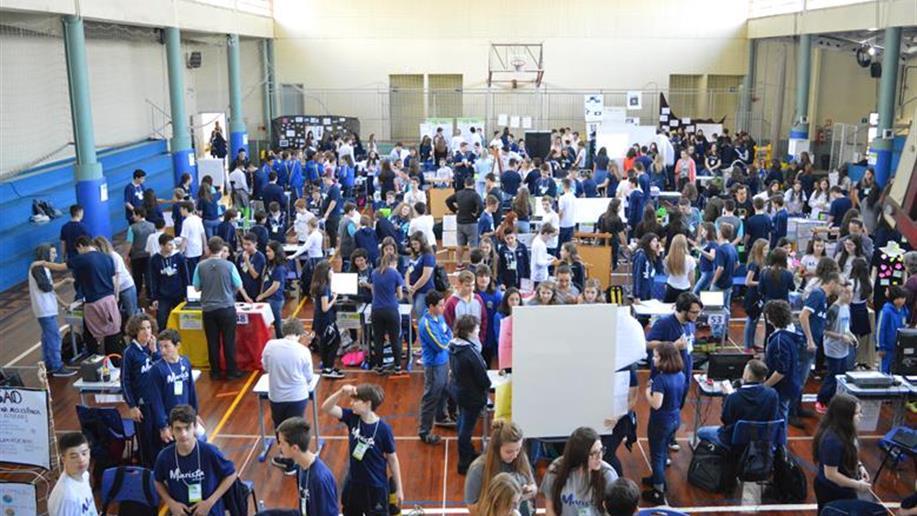 A Mostra contou com a participação de cerca de 300 estudantes, que apresentaram trabalhos nas quatro áreas do conhecimento.