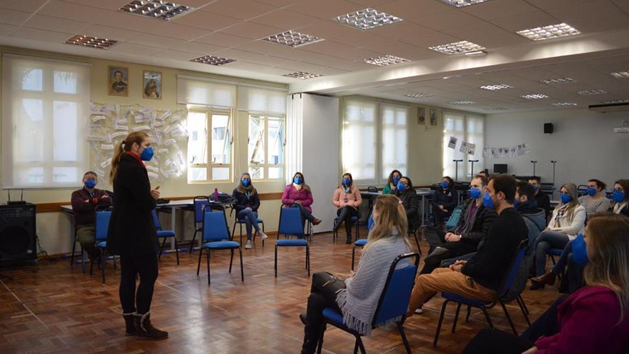 Durante a Jornada Pedagógica de encerramento do 2º semestre, os educadores do Colégio Marista Medianeira participaram de momentos de formação pedagógica e humana