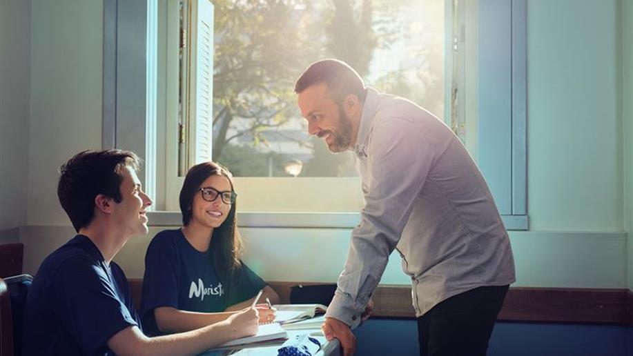 Curso de extensão visa preparar docentes à implementação do novo currículo do Ensino Médio nos Colégios da Rede Marista