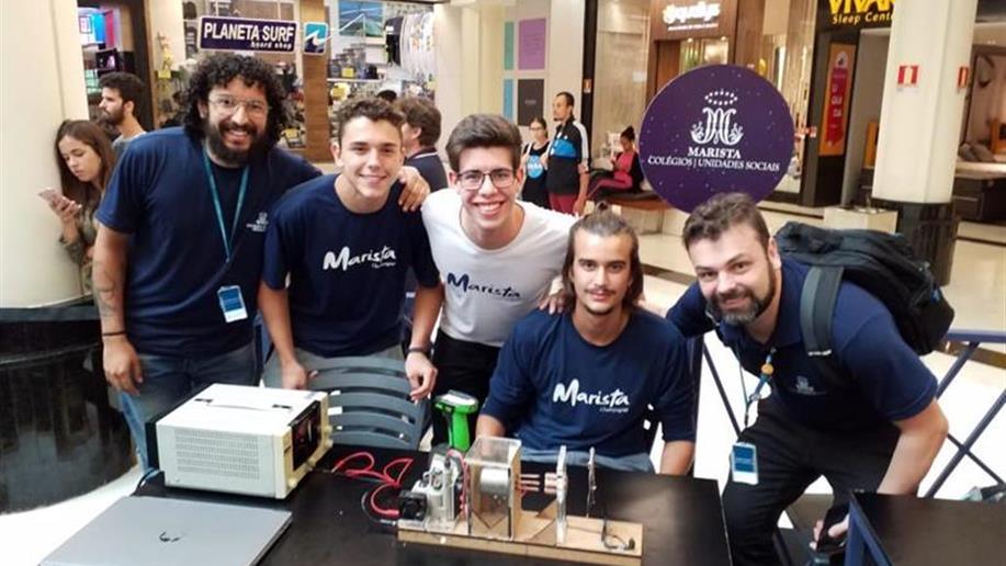Duas equipes do Clube de Robótica do Marista Champagnat participaram do evento Nasa Science Days