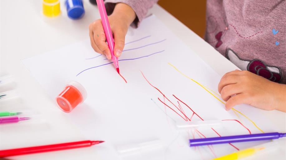 Os traços que antecedem os desenhos são essenciais para o desenvolvimento das crianças