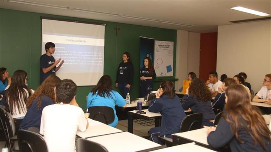 Cerca de 400 estudantes protagonizaram pesquisas em variados temas e apresentaram durante a nossa Mostra de Iniciação Científica.
