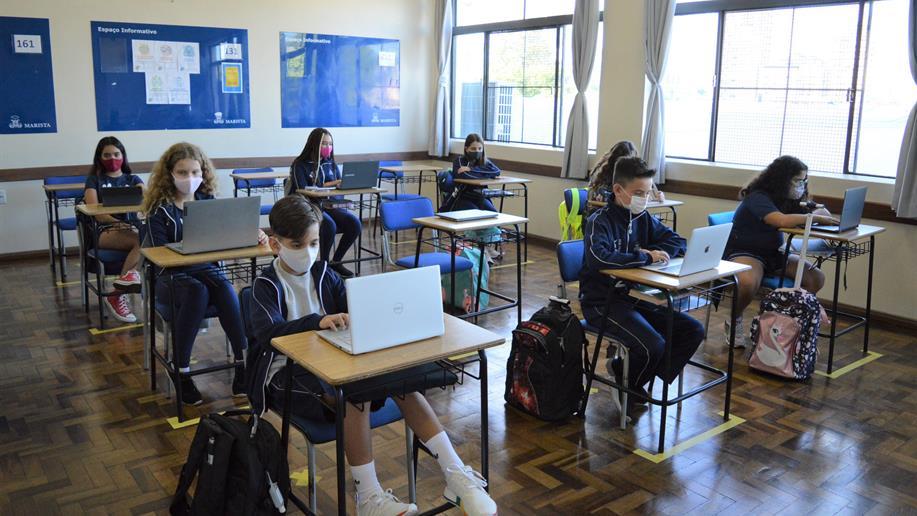 Além de oferecer um currículo adequado, a educação marista também incentiva o estudante a assumir seu protagonismo