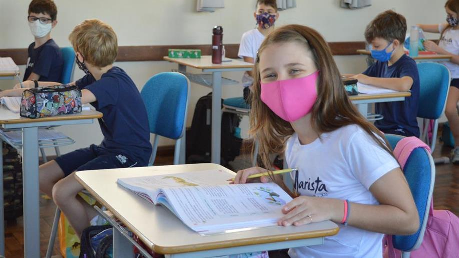 O estudante aprofunda a construção de seus valores, compreendendo seu papel enquanto cidadão.