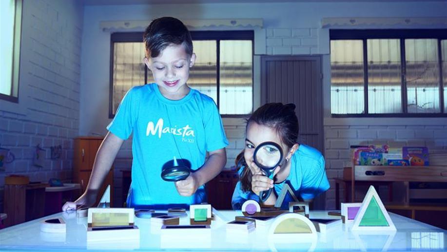 Em nossa proposta pedagógica, acreditamos na valorização do brincar.