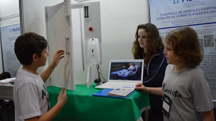A participação dos estudantes é fruto de premiação na 11ª PioTeC – Mostra de Projetos de Tecnologias e Ciências.