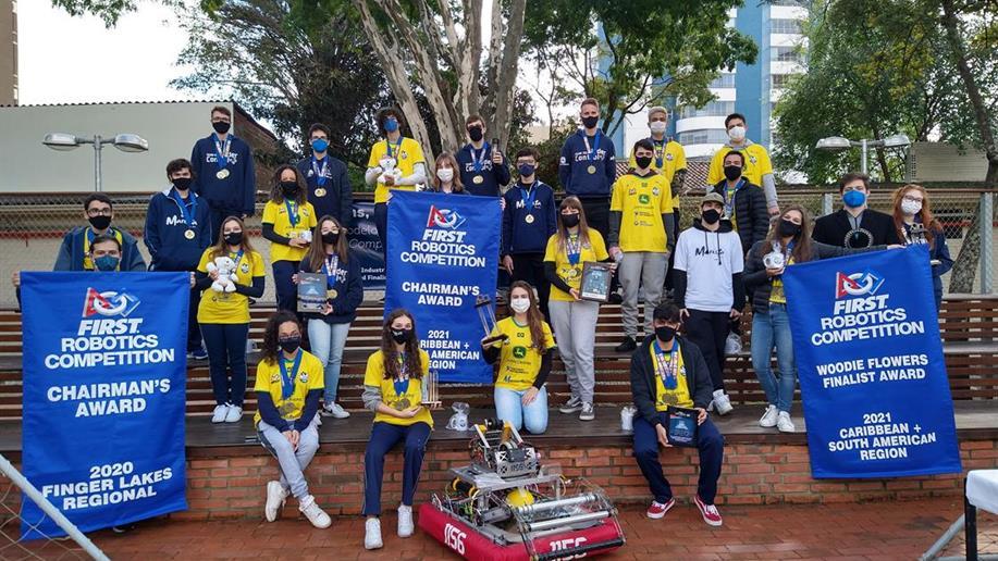 Cerimônia homenageou a Under Control pelo resultado na FIRST Robotics Competition.