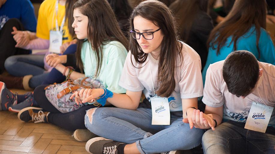 O Encontro de Jovens Maristas (EJM) é um evento anual que reúneadolescentes e jovens dos grupos da Pastoral Juvenil Marista (PJM),tendo como principal objetivo celebrar a caminhada realizada.