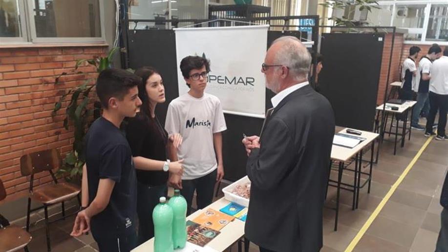 Evento reuniu projetos universitários e escolares para incentivar o empreendedorismo e a inovação.