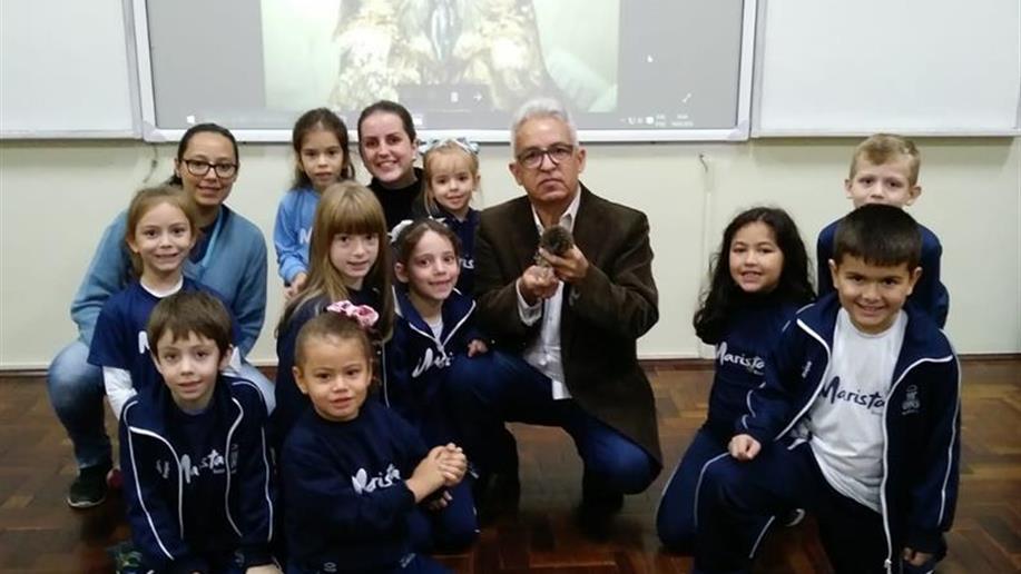 Alunos do Turno Integral receberam a visita do veterinário Edson Luiz Salomão