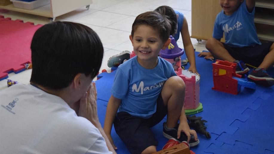 A orientadora educacional do Marista Rosário explica como auxiliar os pequenos durante os primeiros dias de aula