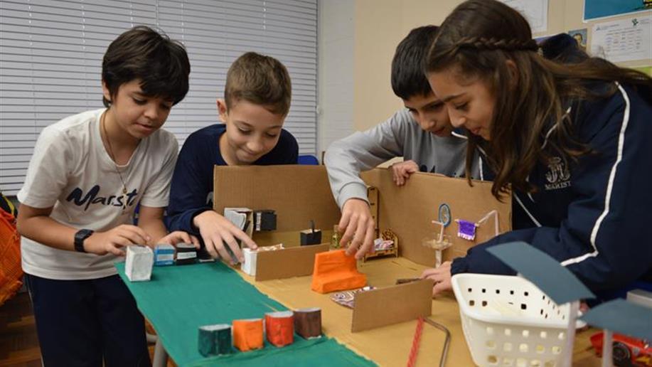 Estudantes da turma 58, do 5º ano EF, pesquisaram sobre o tema para a Mostra do Saber. Confira fotos do evento.