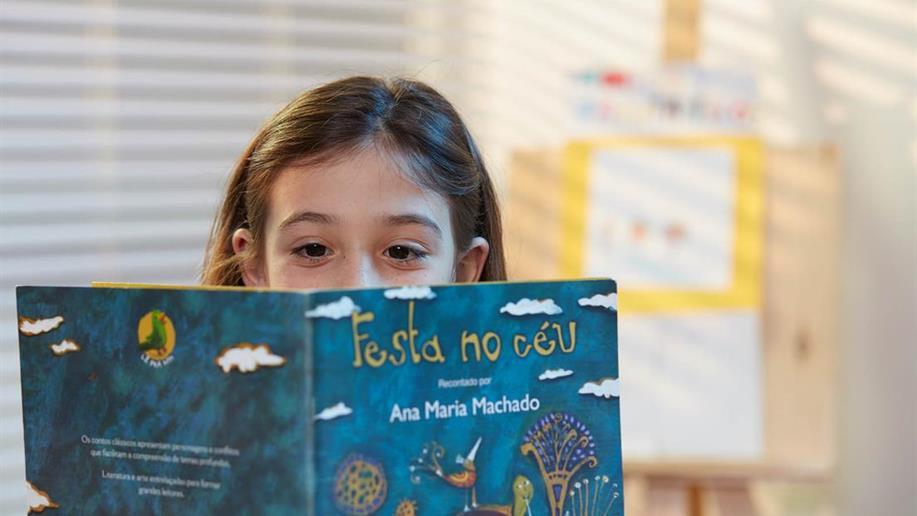 Saiba quais são os benefícios e formas de aproximar crianças e jovens da leitura