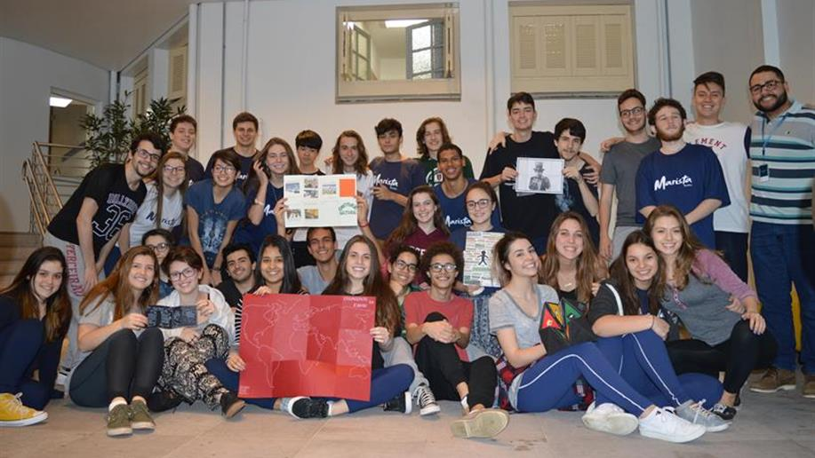 Os estudantes do 3º ano do Ensino Médio produziram fanzines com reflexões sobre a legislação brasileira